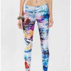 Onzie mountain sky crop leggings